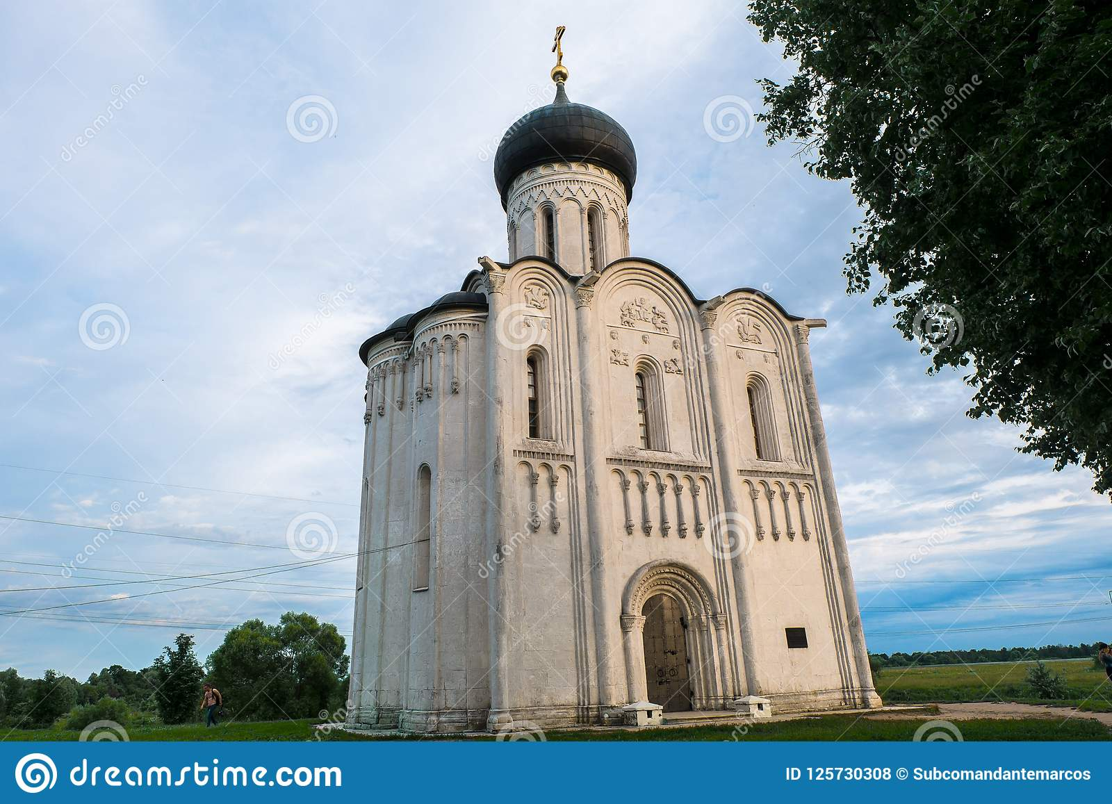 De Plaats van de Erfenis van de Wereld van Unesco Architecturaal monument van eeuw 12 Kerk van de Interventie van de Vergine Sant