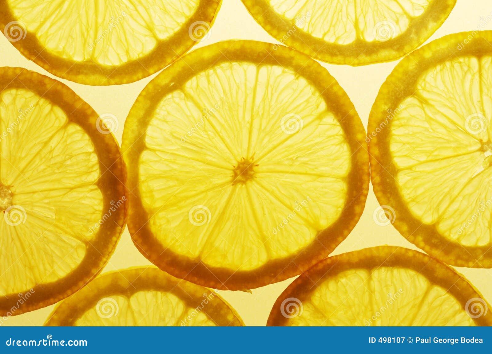 De plakken van de citroen
