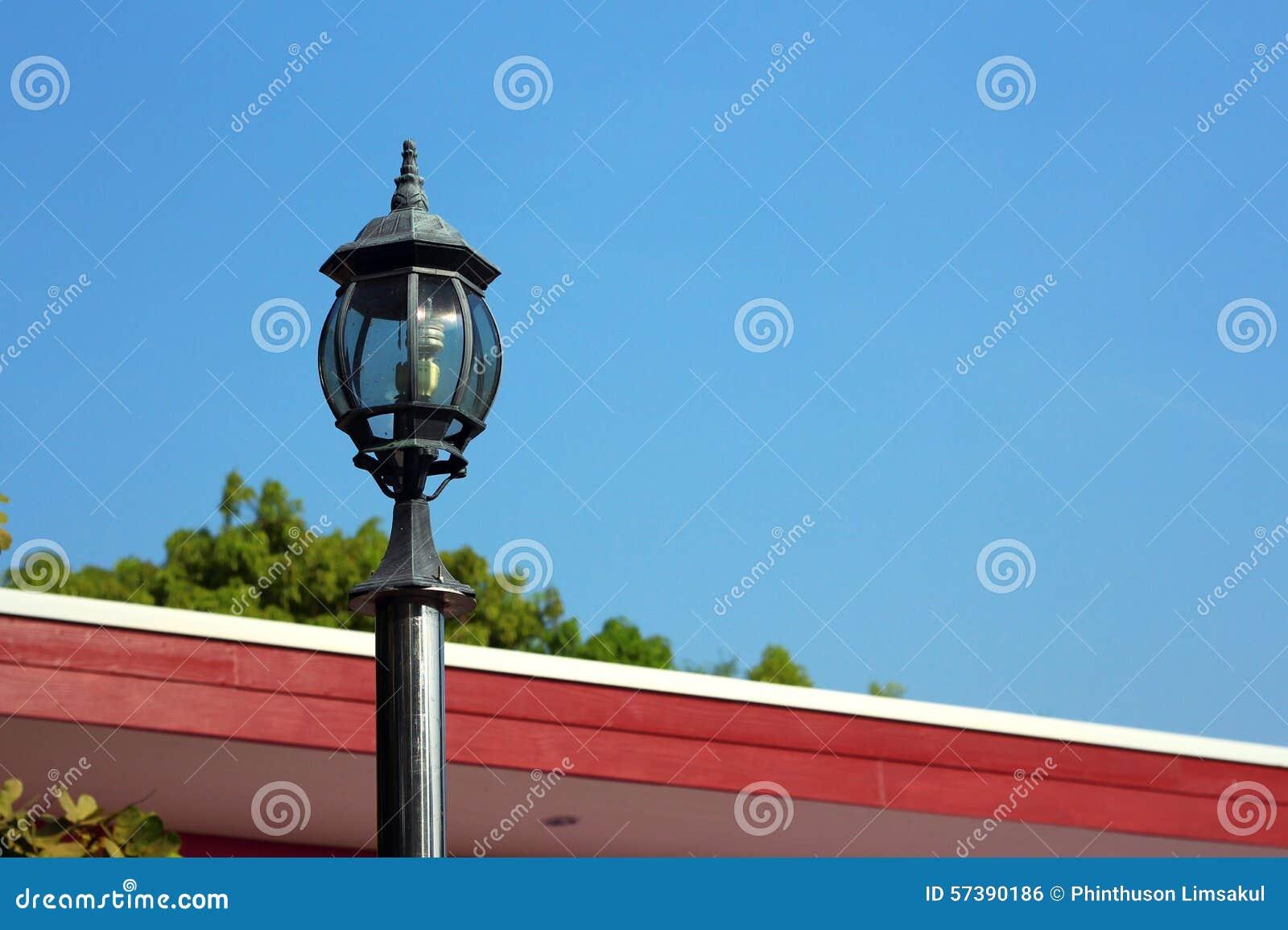 De post van de lamp