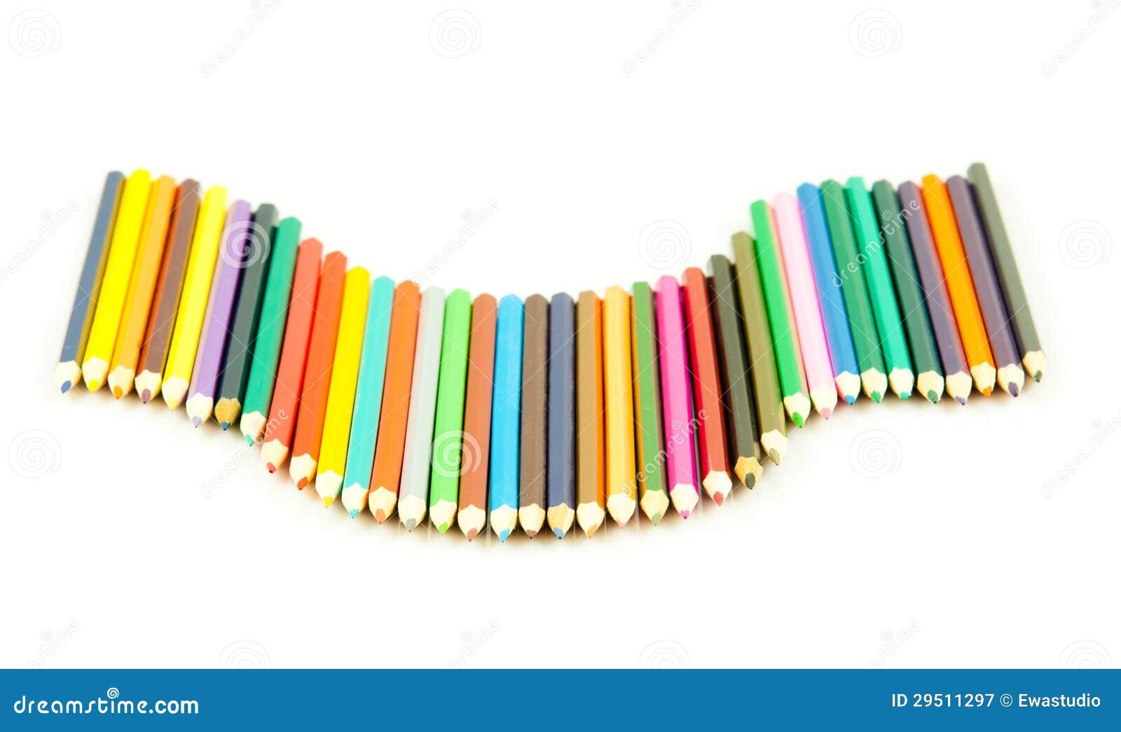 De potloden van de kleur op witte achtergrond worden geïsoleerdl die. Velen verschillend col.