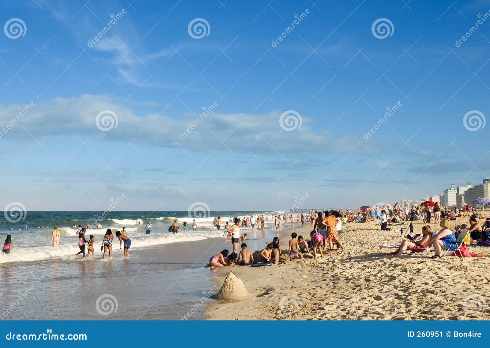 De pret van de zomer bij het strand!