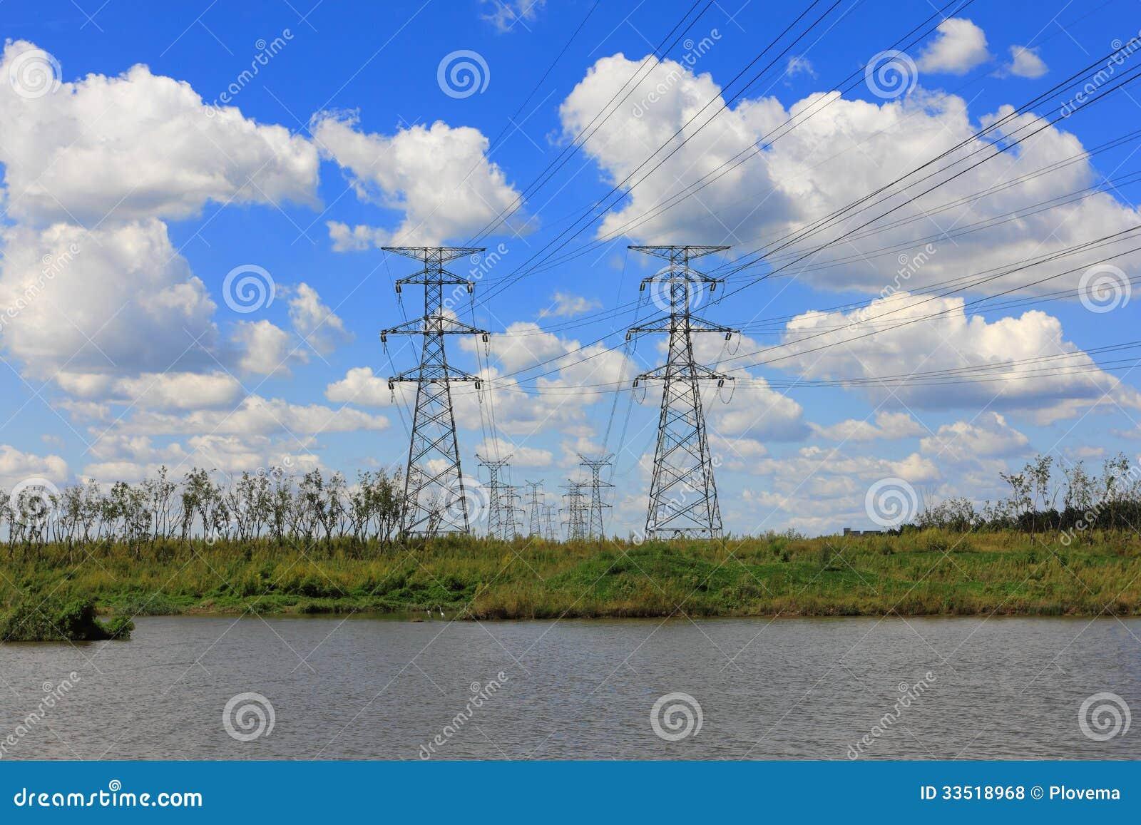 De pyloon van de staalelektriciteit