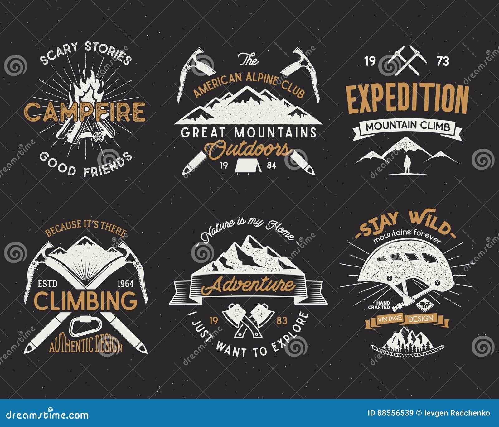 De reeks van berg die etiketten, de emblemen die van de bergenexpeditie, wijnoogst beklimmen silhouetteert emblemen en ontwerpele