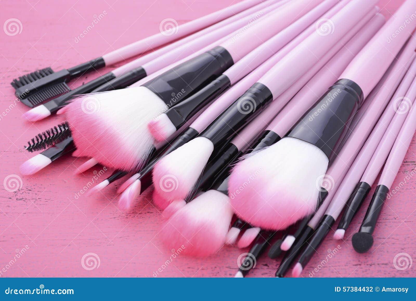 De reeks van de make-upborstel