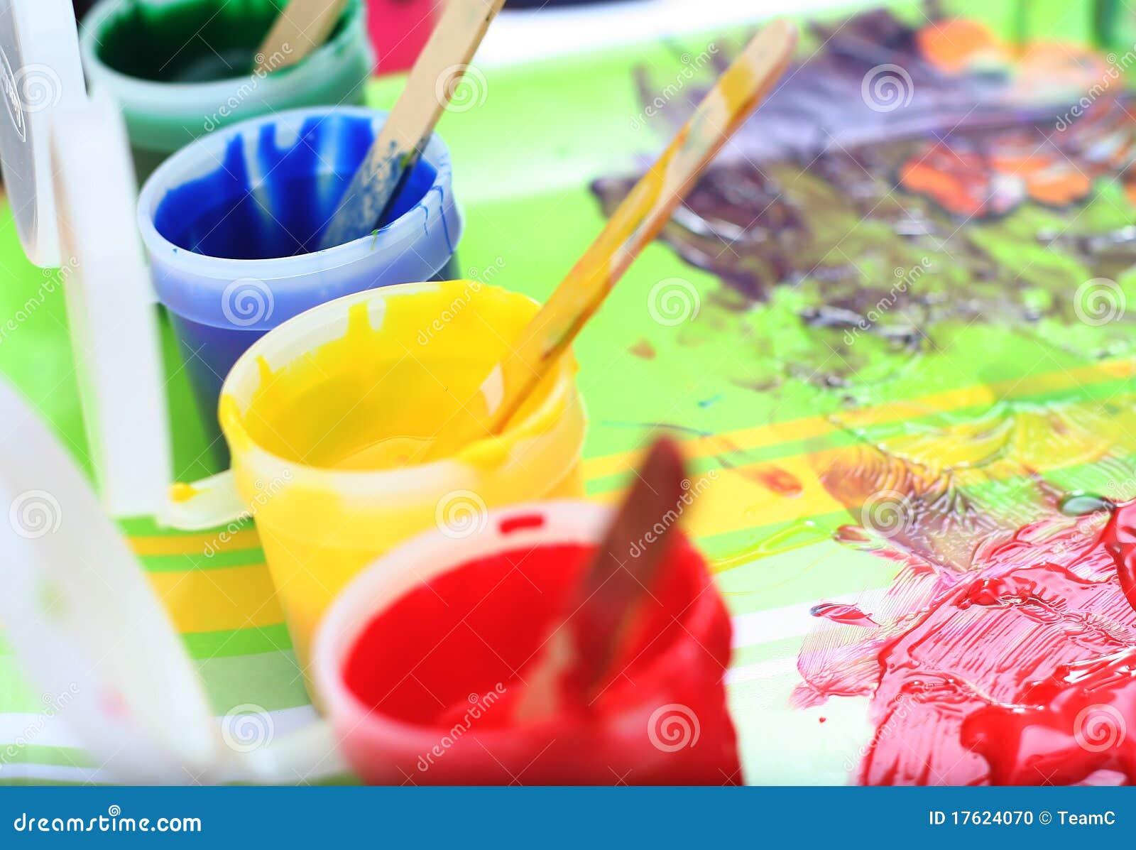 De reeks van de verf van slordige kinderen stock foto afbeelding 17624070 - Maken rode verf ...