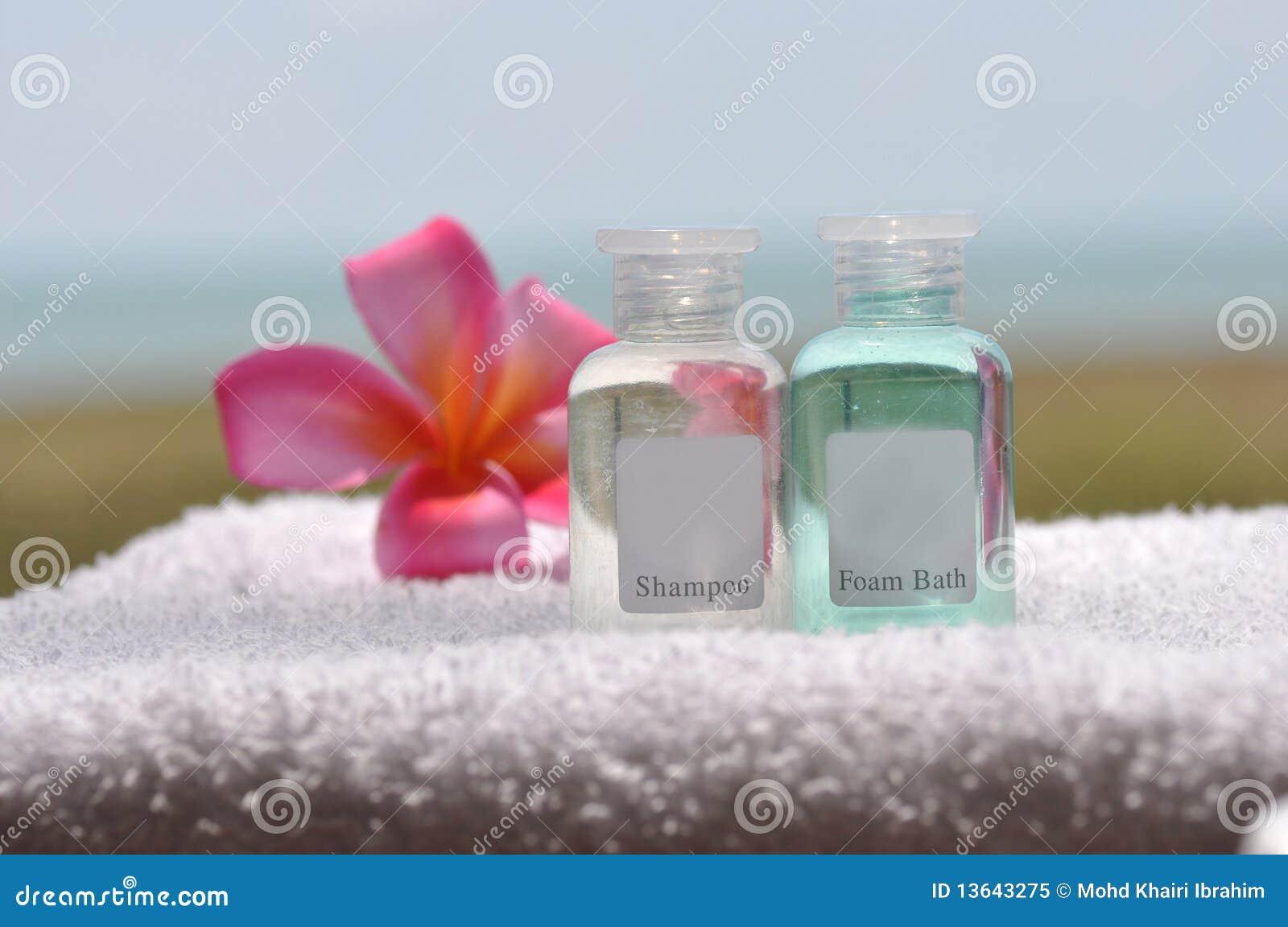 De reeks van het bad stock afbeelding afbeelding bestaande uit bloem 13643275 for Foto in het bad