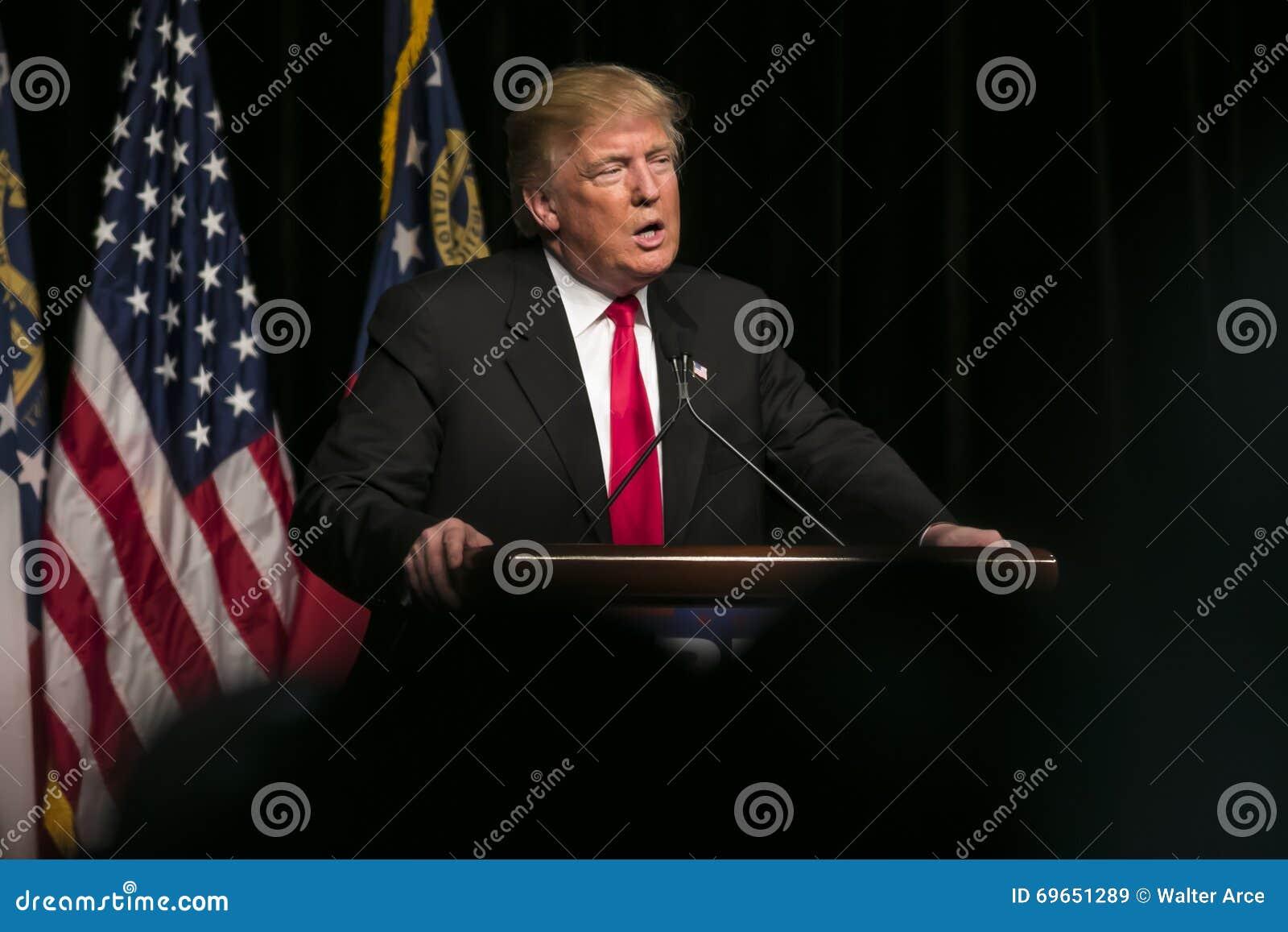 De republikeinse Presidentiële Troef Kandidaat van Donald J