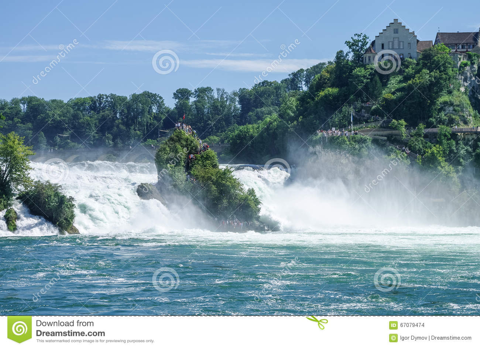 Watervallen Van Schaffhausen.De Rijn Dalingen Is De Grootste Waterval In Europa