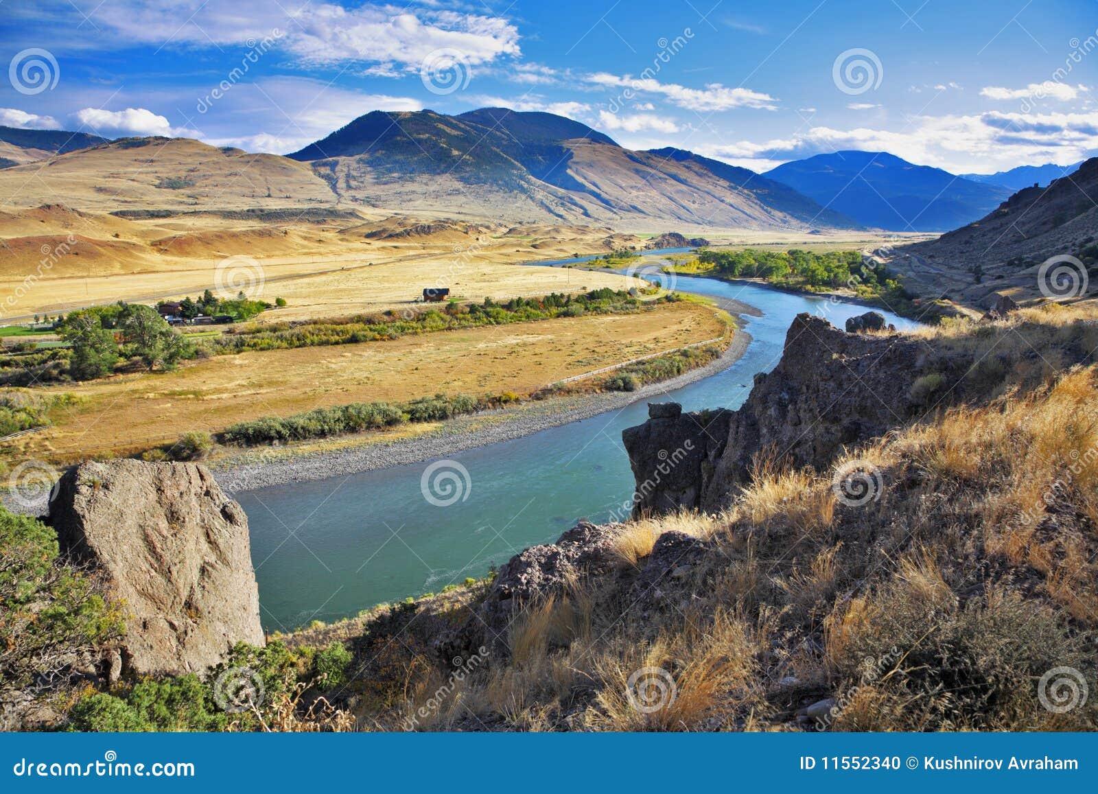 De rivier Missouri in de herfst