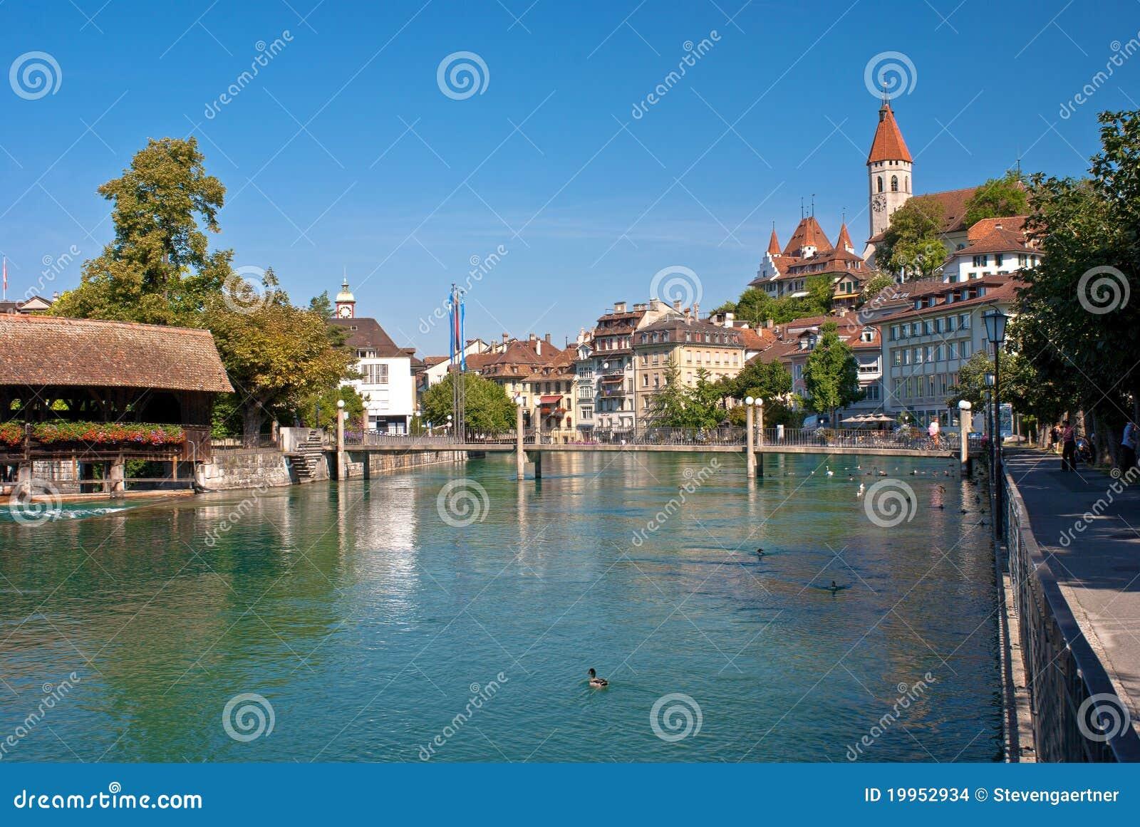 De rivier van Aare, thun, Zwitserland