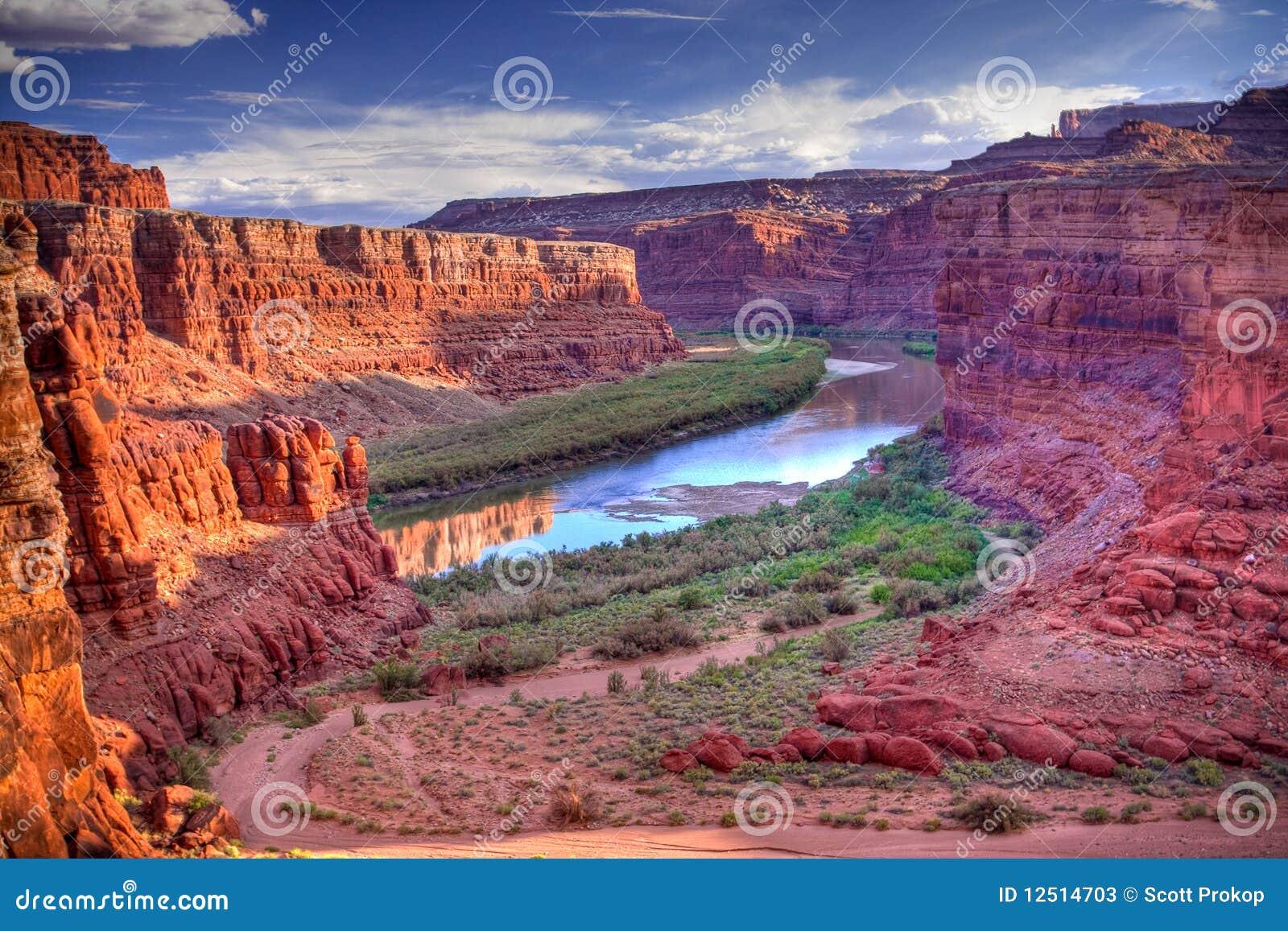 De Rivier van Colorado bij Nationaal Park Canyonlands