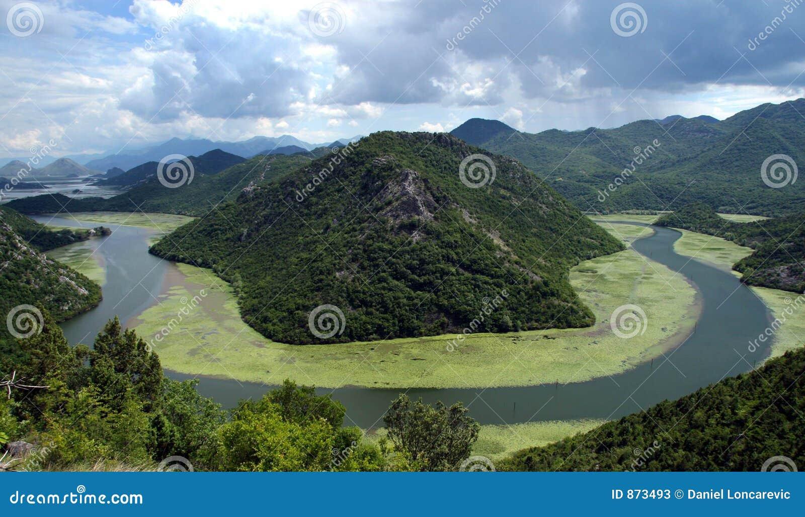 De rivier van Crnojevica