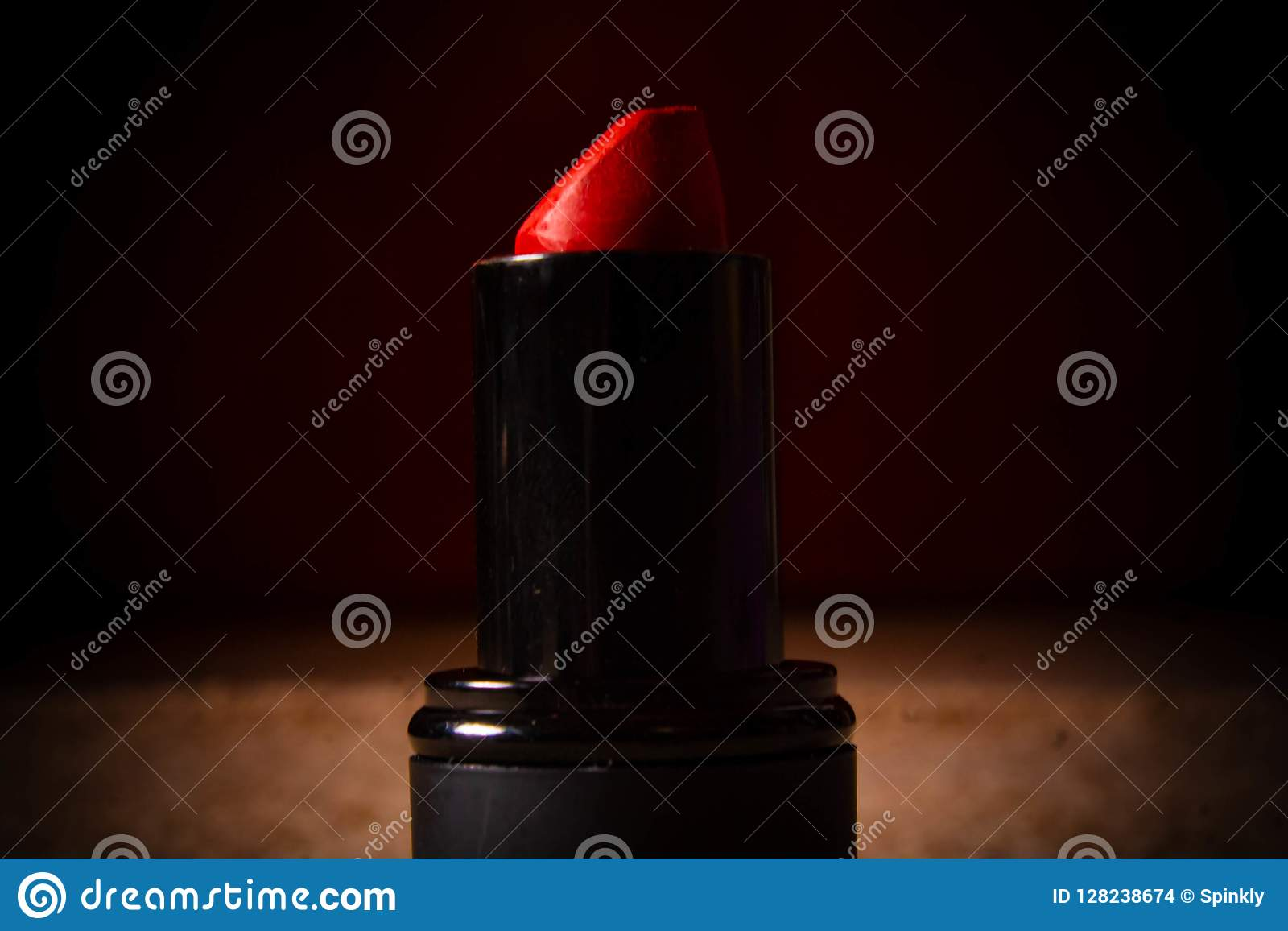De rode kleur van de lippenstiftschaduw voor achtergrond