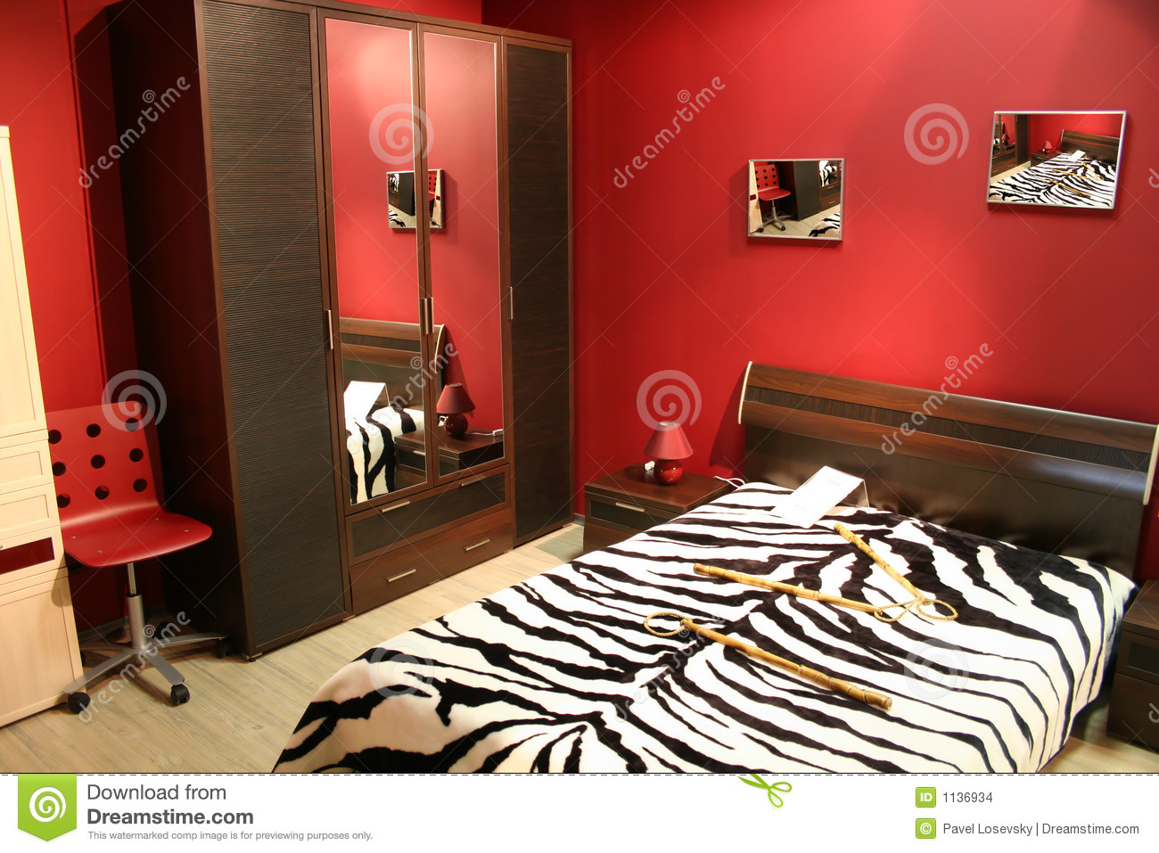 Rode Slaapkamer Lamp : Red and Zebra Bedroom Ideas