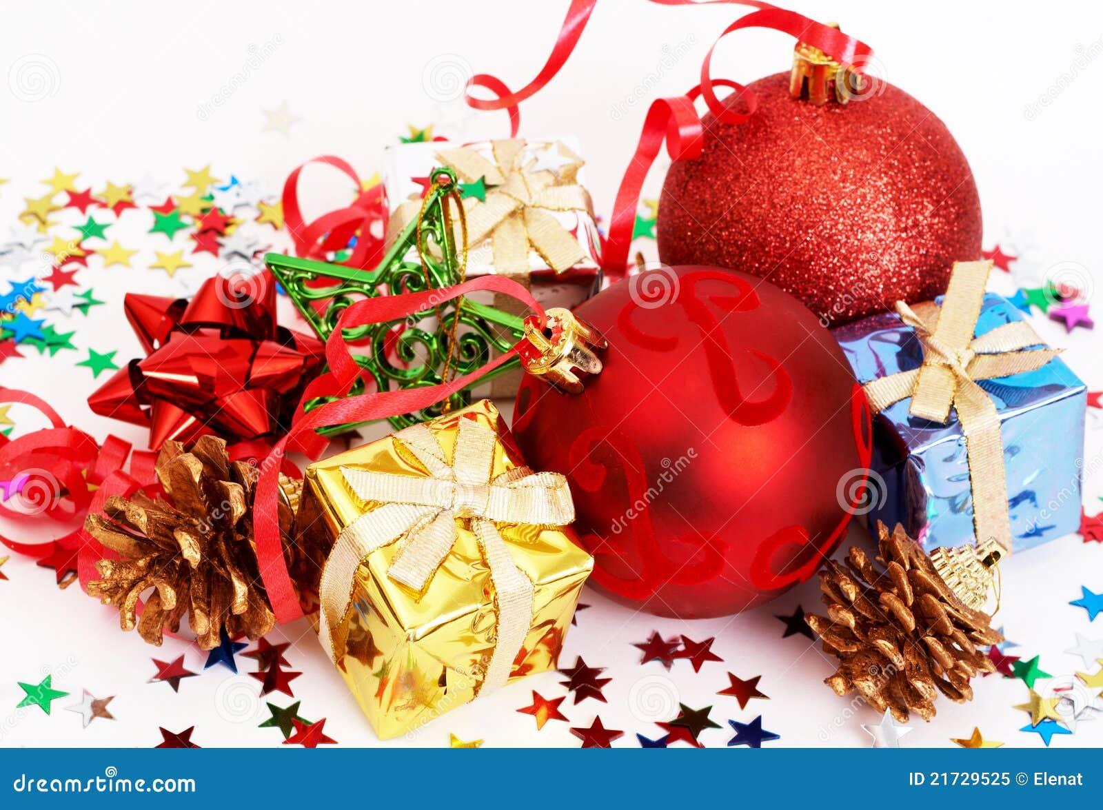 De rode snuisterijen van kerstmis en andere decoratie royalty vrije stock foto afbeelding - Decoratie van de kamers van de meiden ...