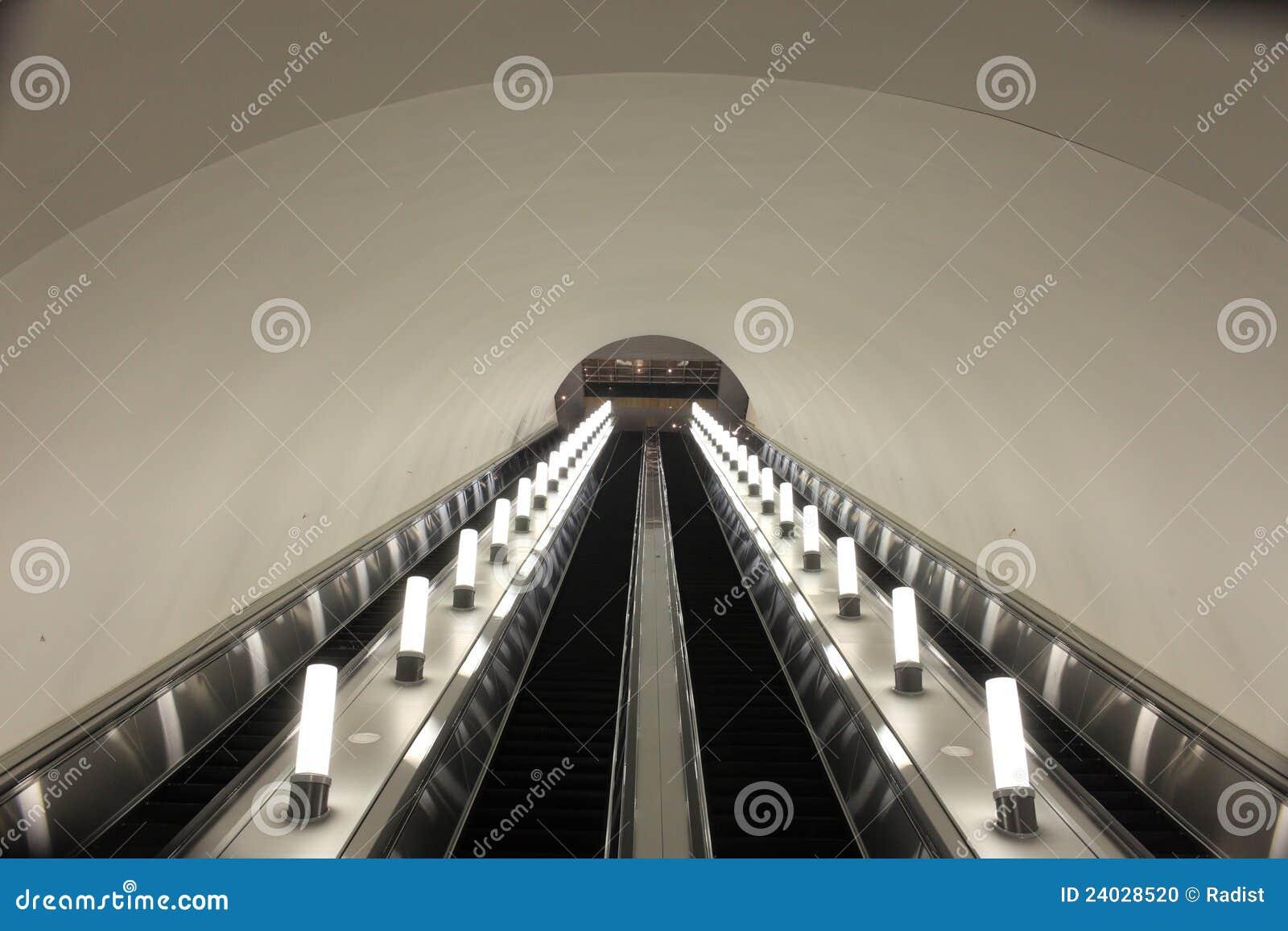 De roltrap van de metro