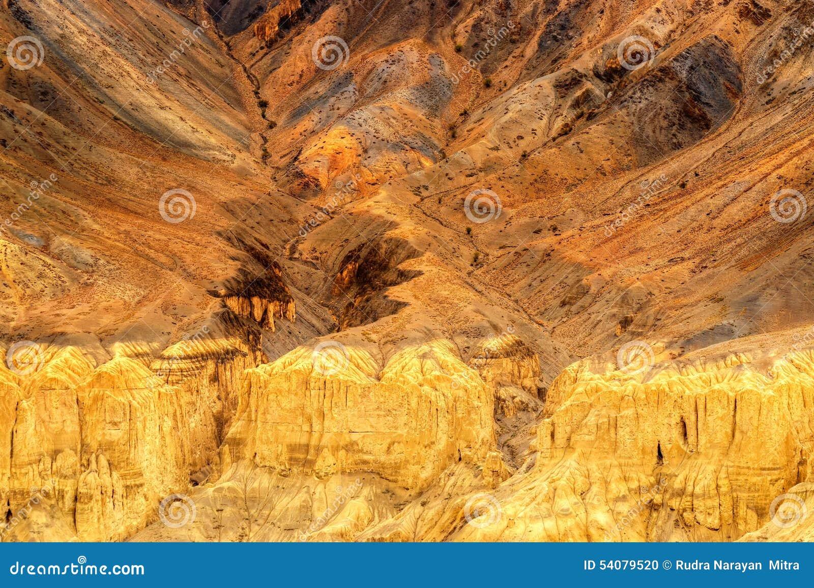 De rotsen en de stenen, bergen, ladakh modelleren Leh, Jammu & Kashmir, India