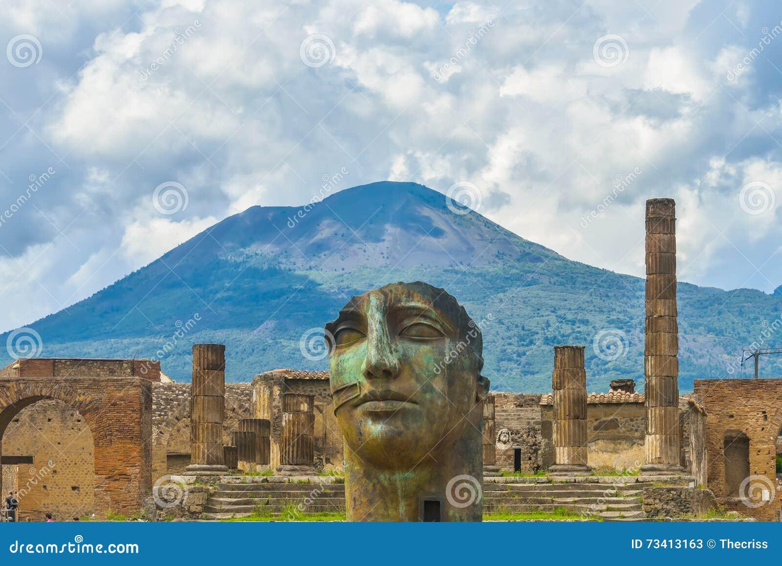 De ruïnes van Pompei na de uitbarsting van de Vesuvius in Pompei, Italië
