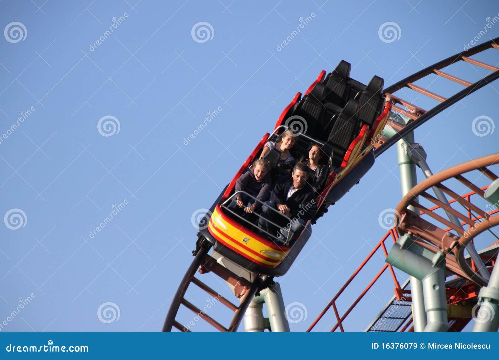De ruiters van de achtbaan
