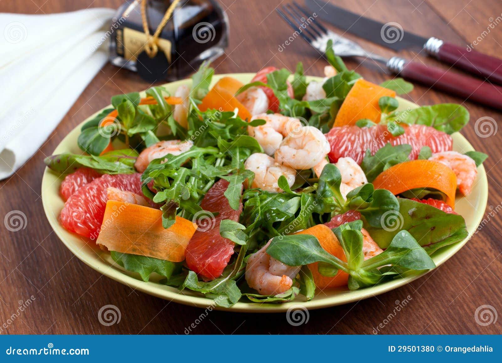 De salade van garnalen