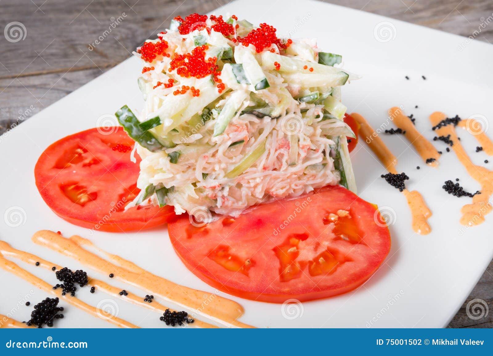 De salade van het krabvlees