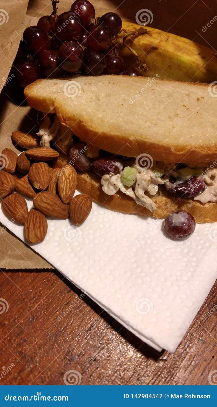 De Salade van de veganistkip