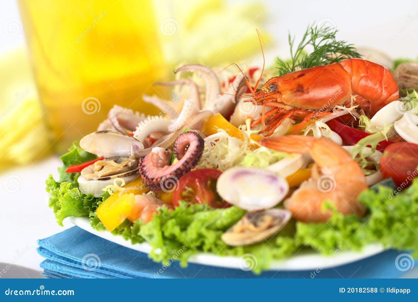 De salade van zeevruchten stock foto afbeelding bestaande for Vers de salade