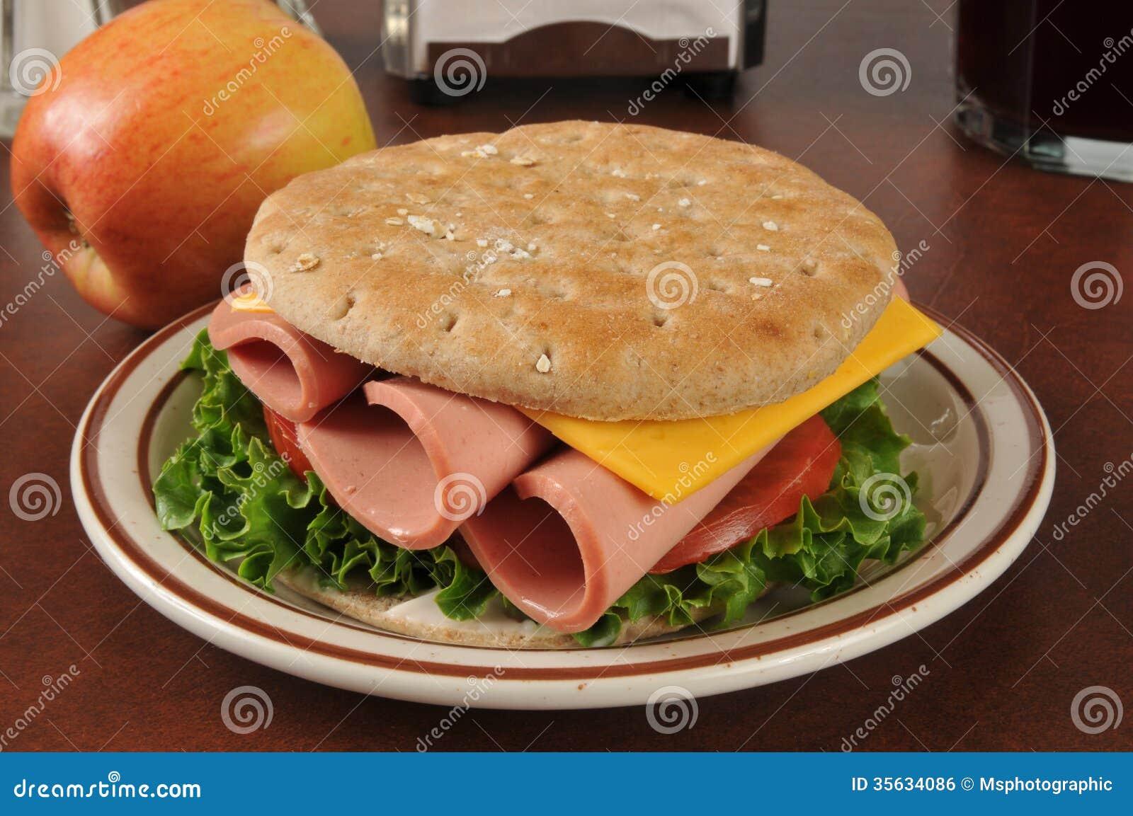 De sandwich van Bologna stock foto. Afbeelding bestaande ...