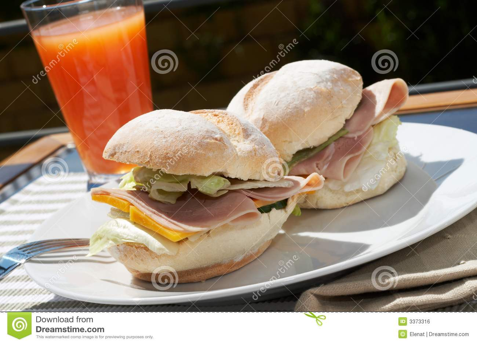 De sandwich van de ham en van de kaas