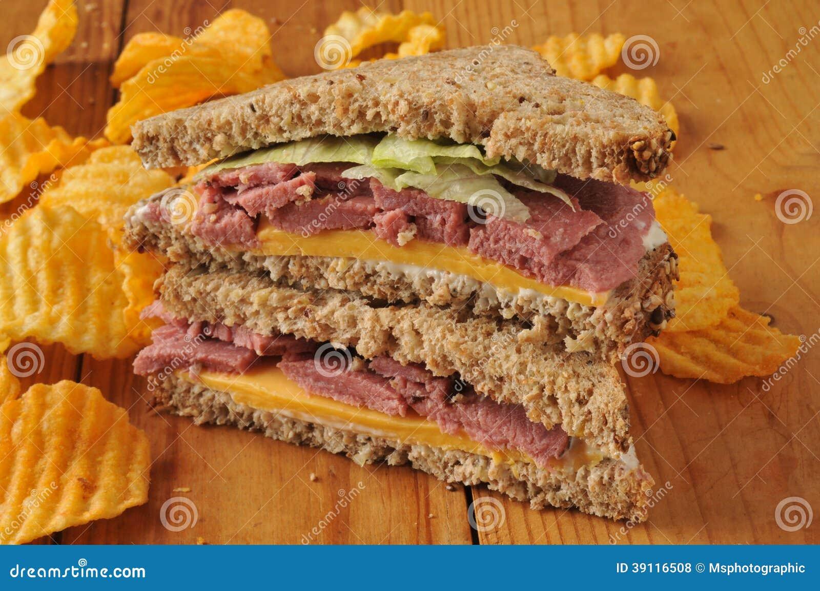 De sandwich van het braadstukrundvlees