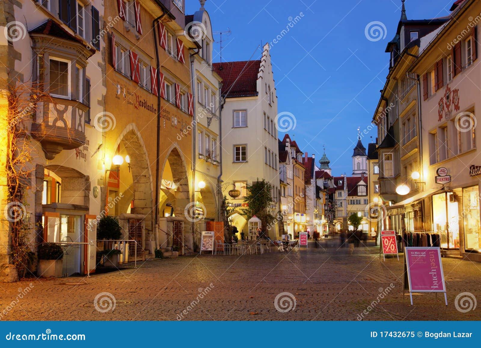 De scène van de straat in Lindau, Duitsland