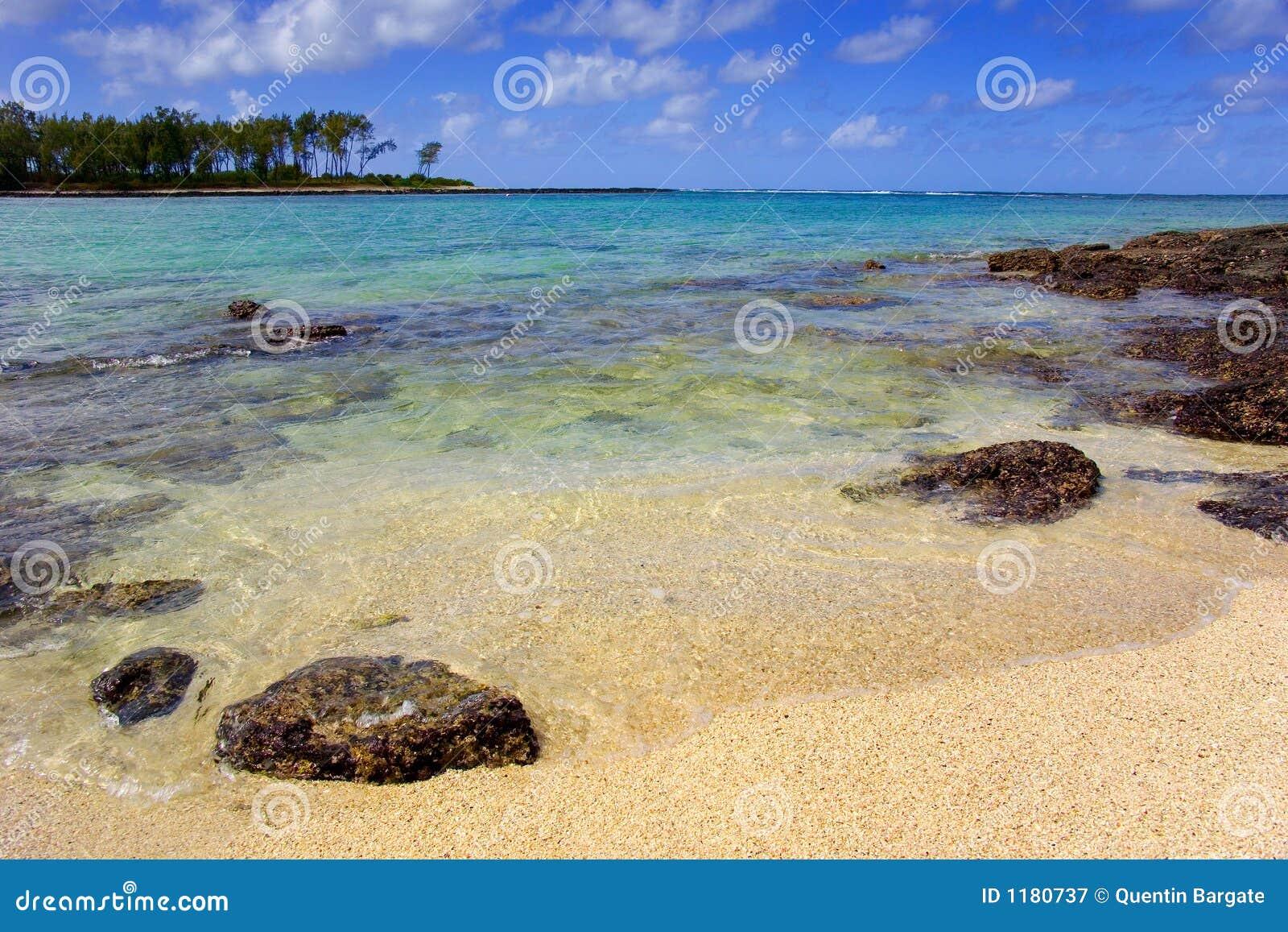 De scène van het strand op een Eiland van Indische Oceaan