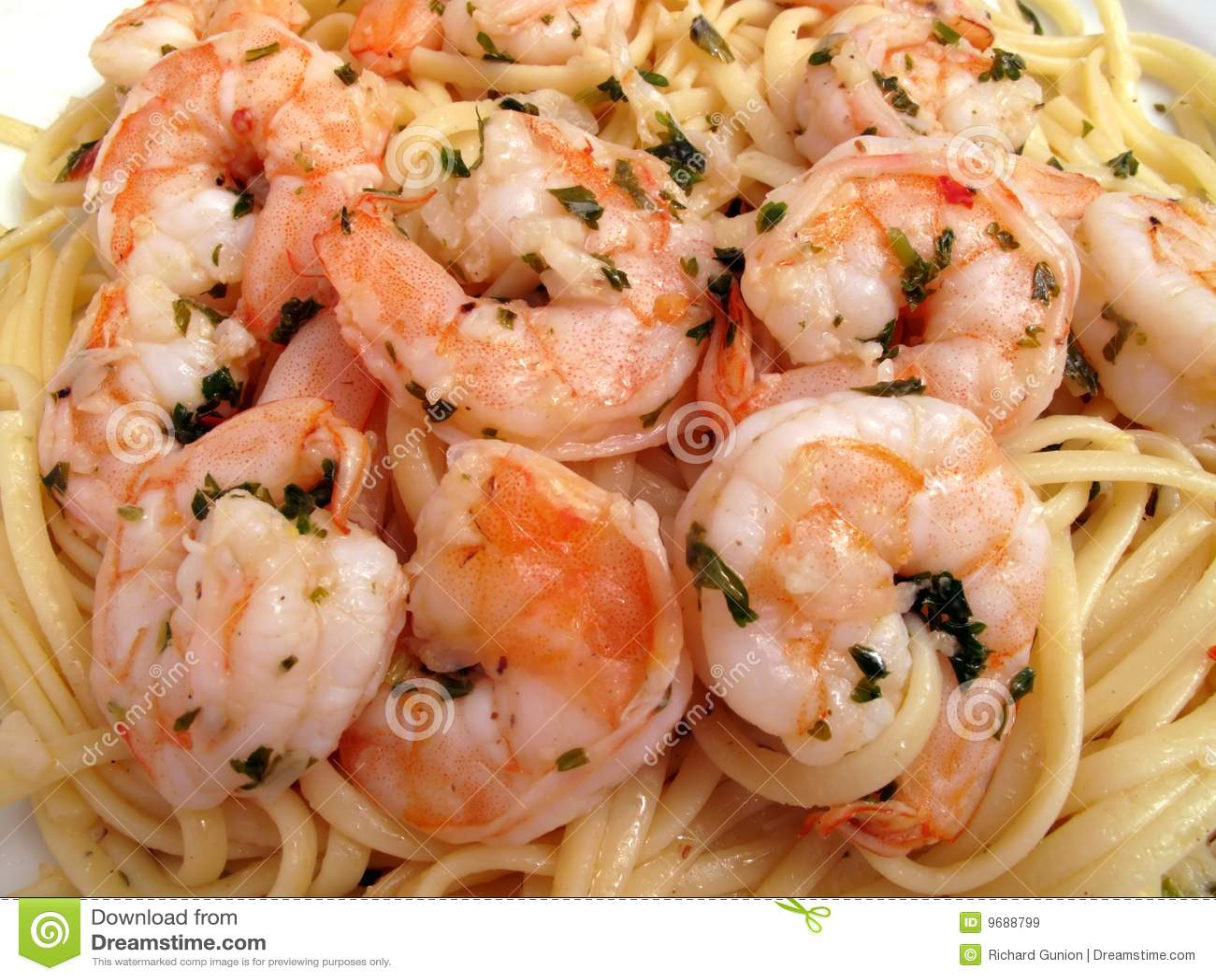 De Scampi van garnalen met Linguini