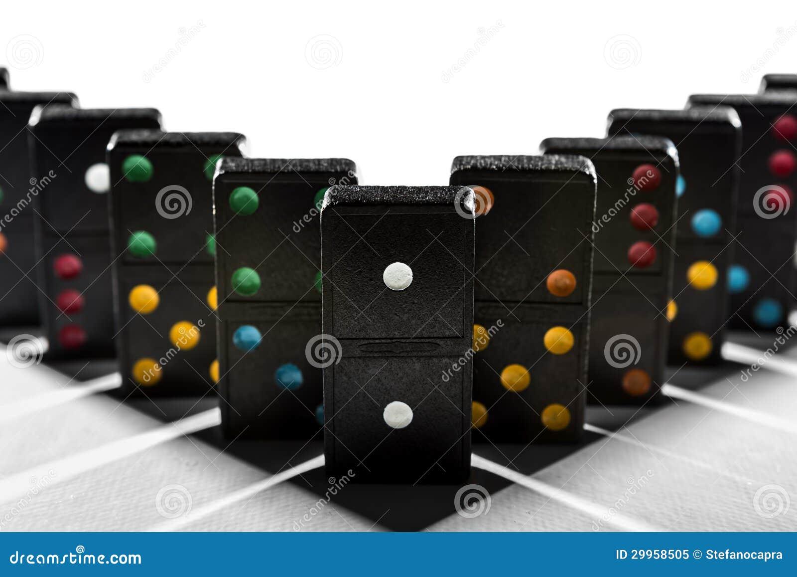 De schaduwmeetkunde van de domino