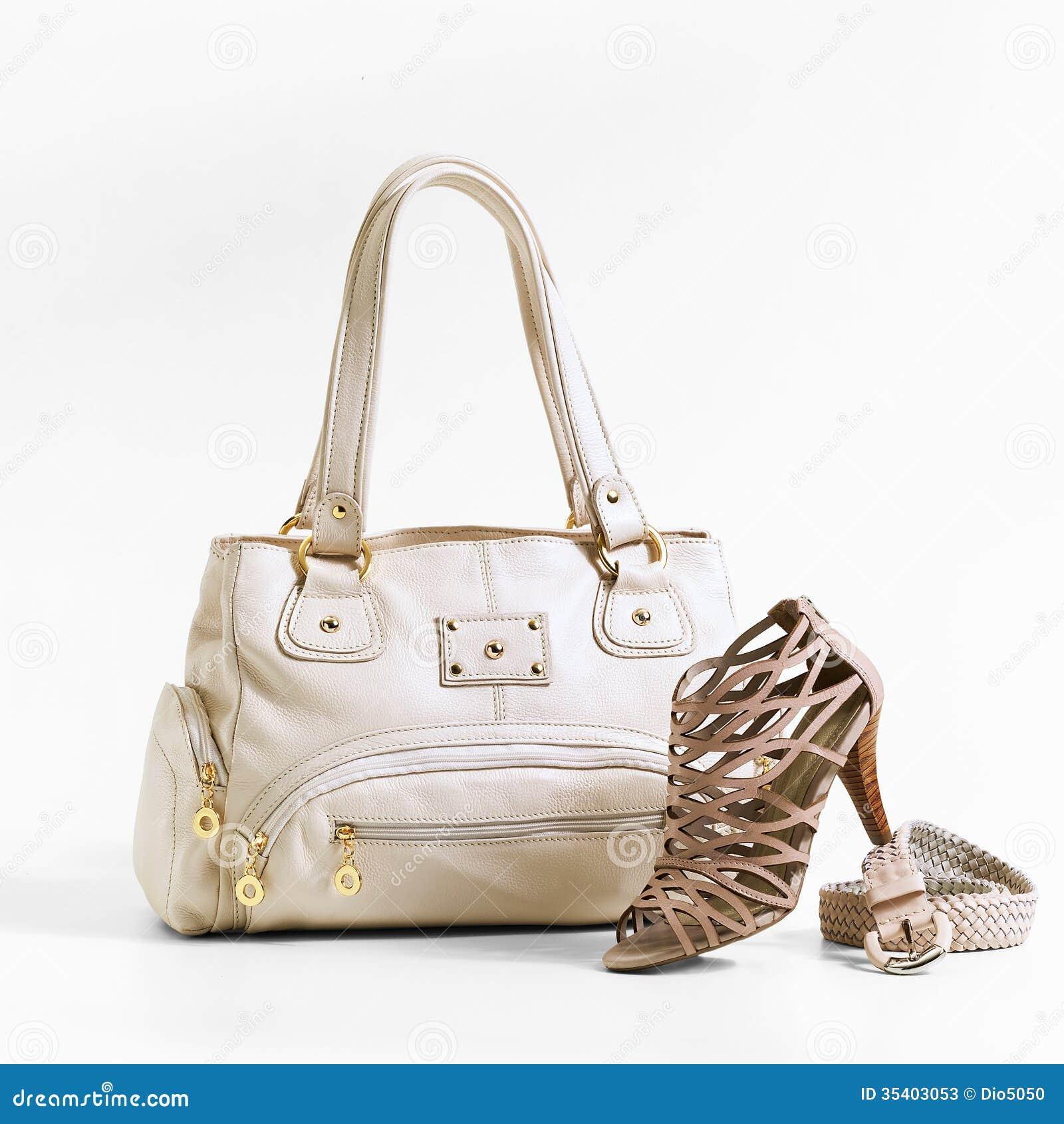De schoenen van de vrouw