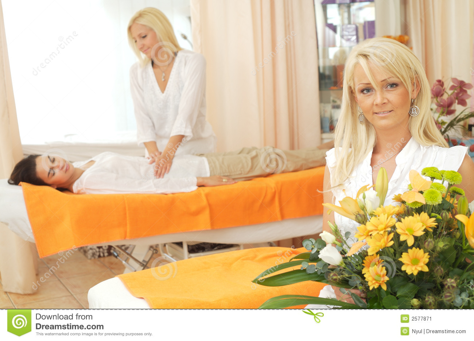 De schoonheid-salon wacht op u
