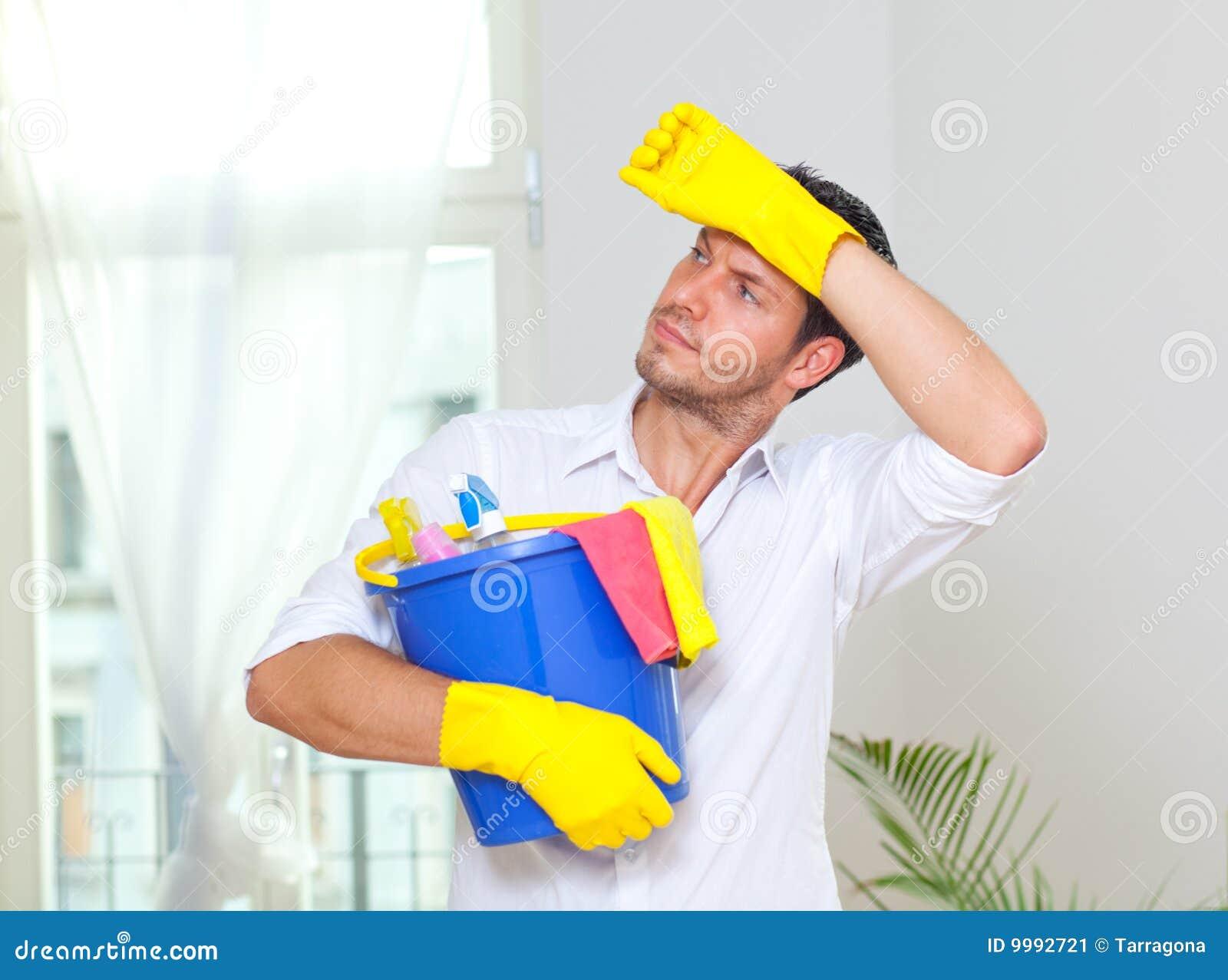 De schoonmakende mens van het huishouden