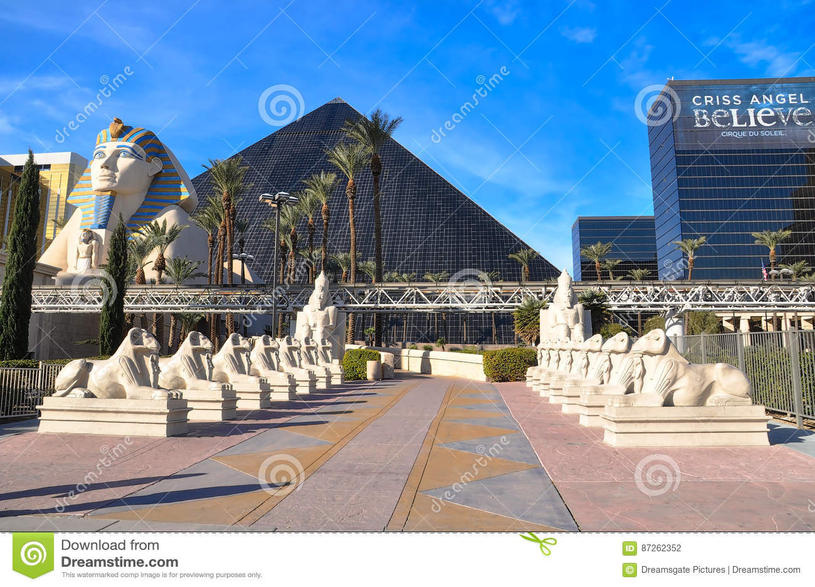De Sfinx en Luxor in heldere dag