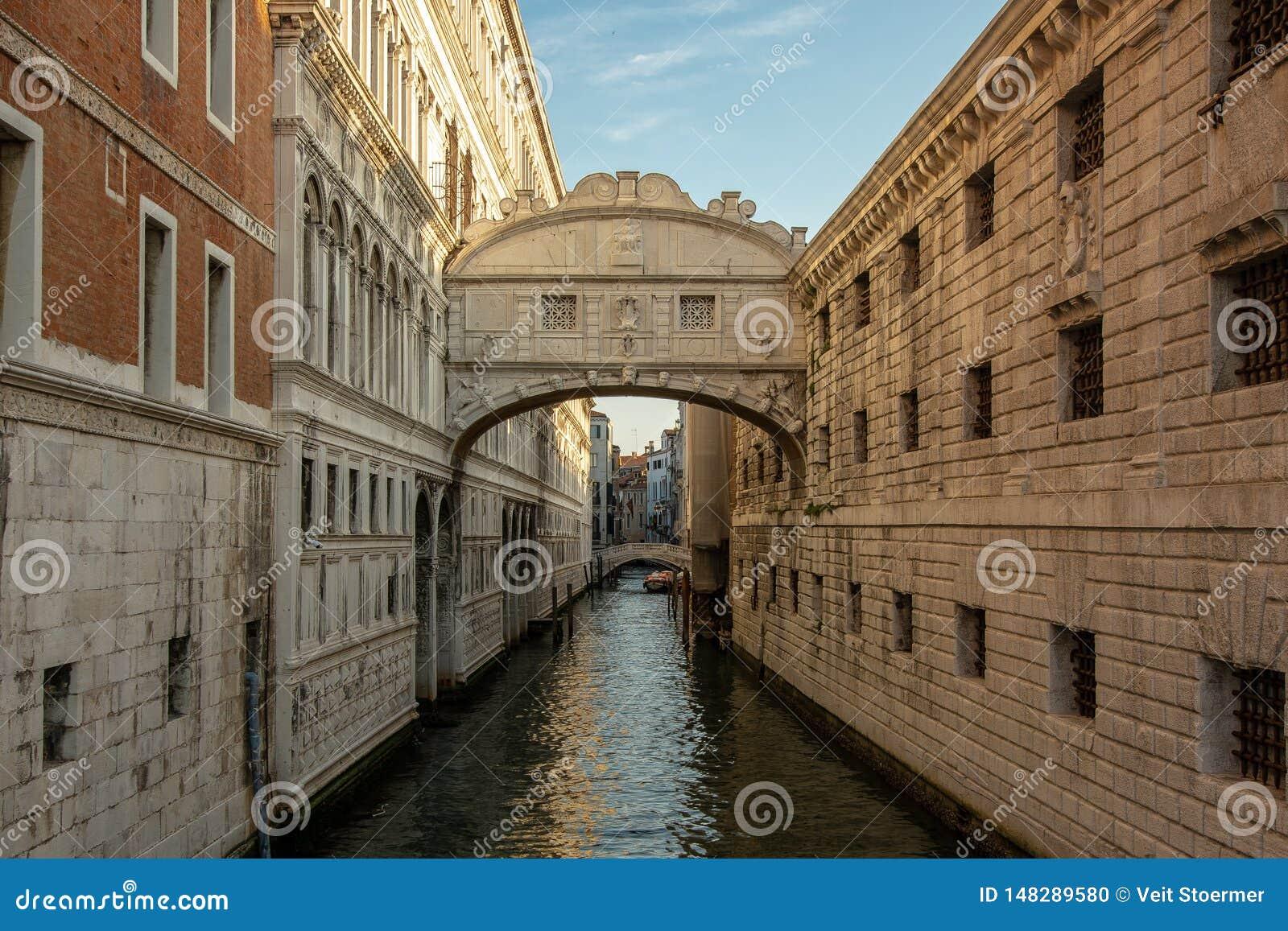 De Sigh Brug in Venetië