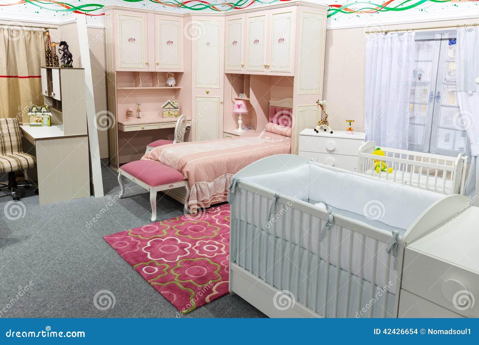 Slaapkamer Met Pastelkleuren : De slaapkamer van de baby in pastelkleuren stock foto afbeelding