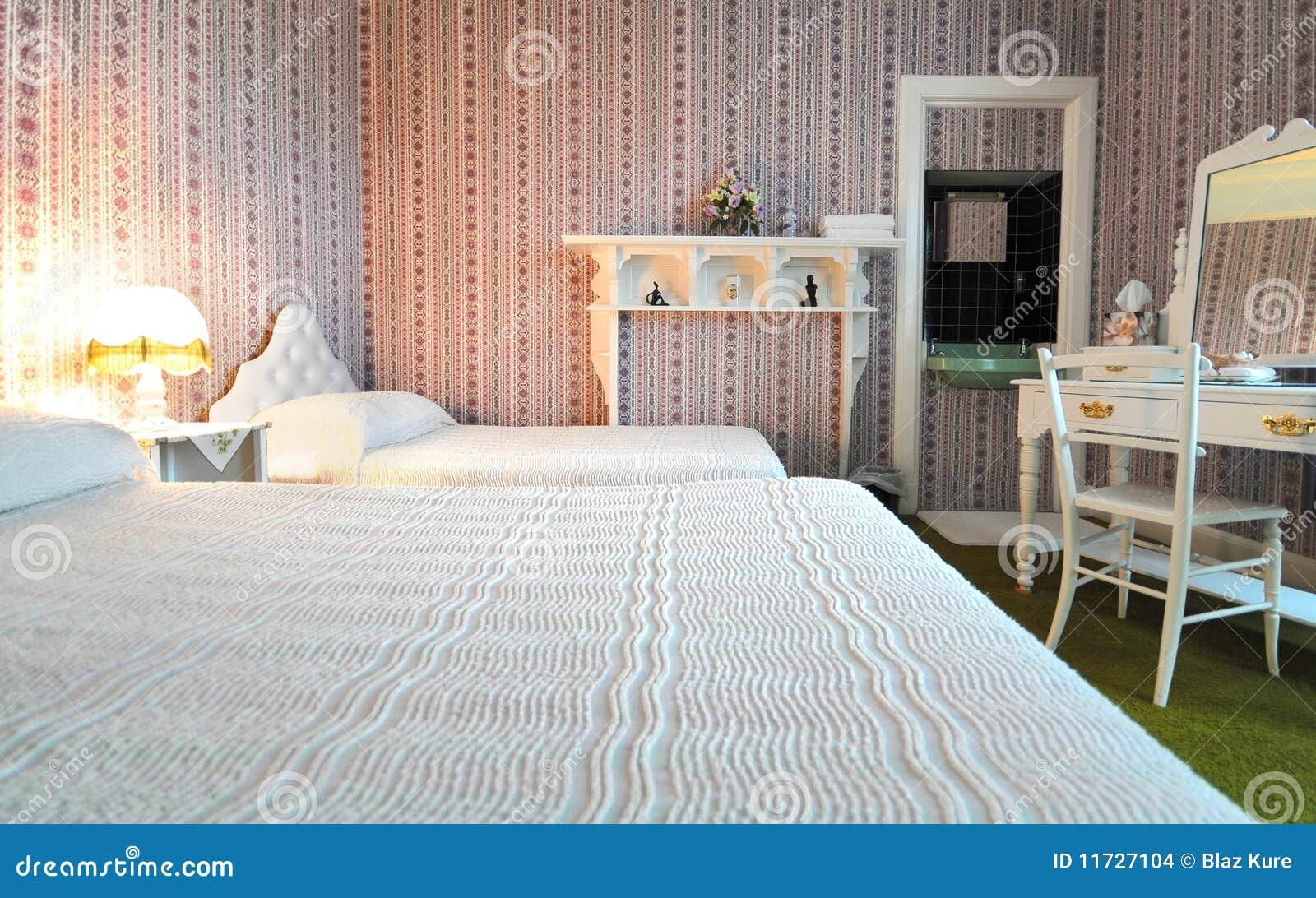 De slaapkamer van de luxe oude stijl stock foto afbeelding