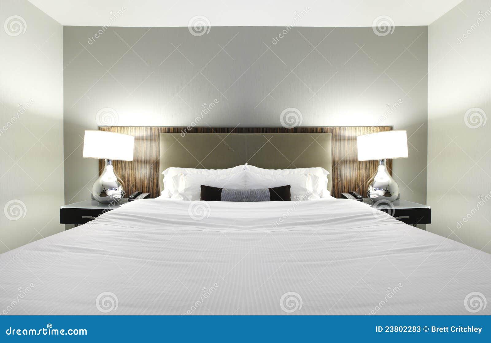 De slaapkamer van het hotel stock foto 39 s afbeelding 23802283 - Foto van volwassen slaapkamer ...