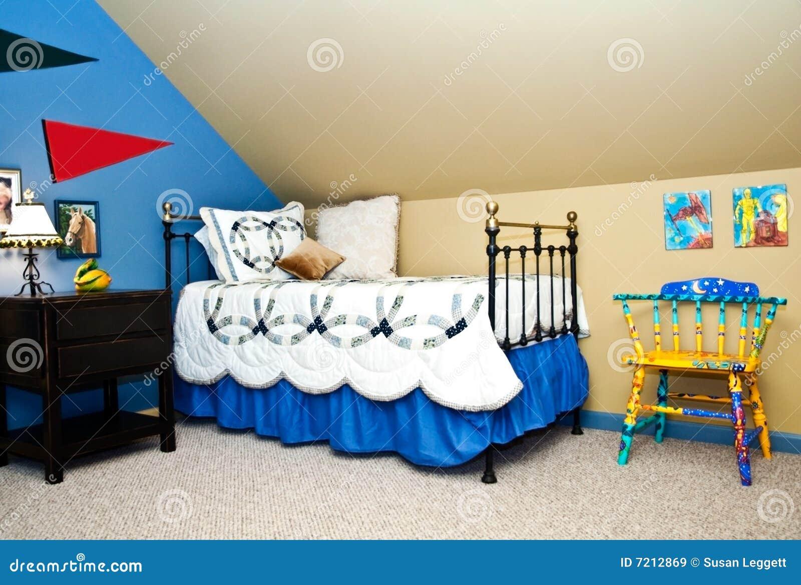 Slaapkamer Slaap Wolken : De slaapkamer van het kind stock afbeelding afbeelding bestaande