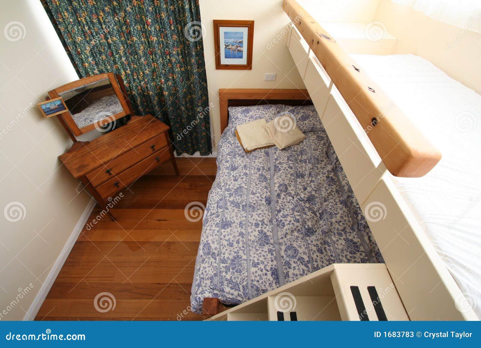 Tweeling Slaapkamer : De Slaapkamer Van Het Stapelbed Stock Fotos ...