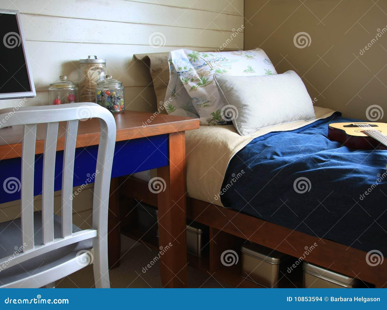 De slaapkamer van jongens stock fotografie   afbeelding: 7092412