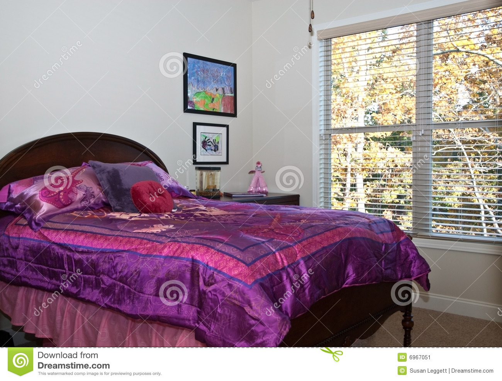 De slaapkamer van meisjes stock afbeelding afbeelding bestaande