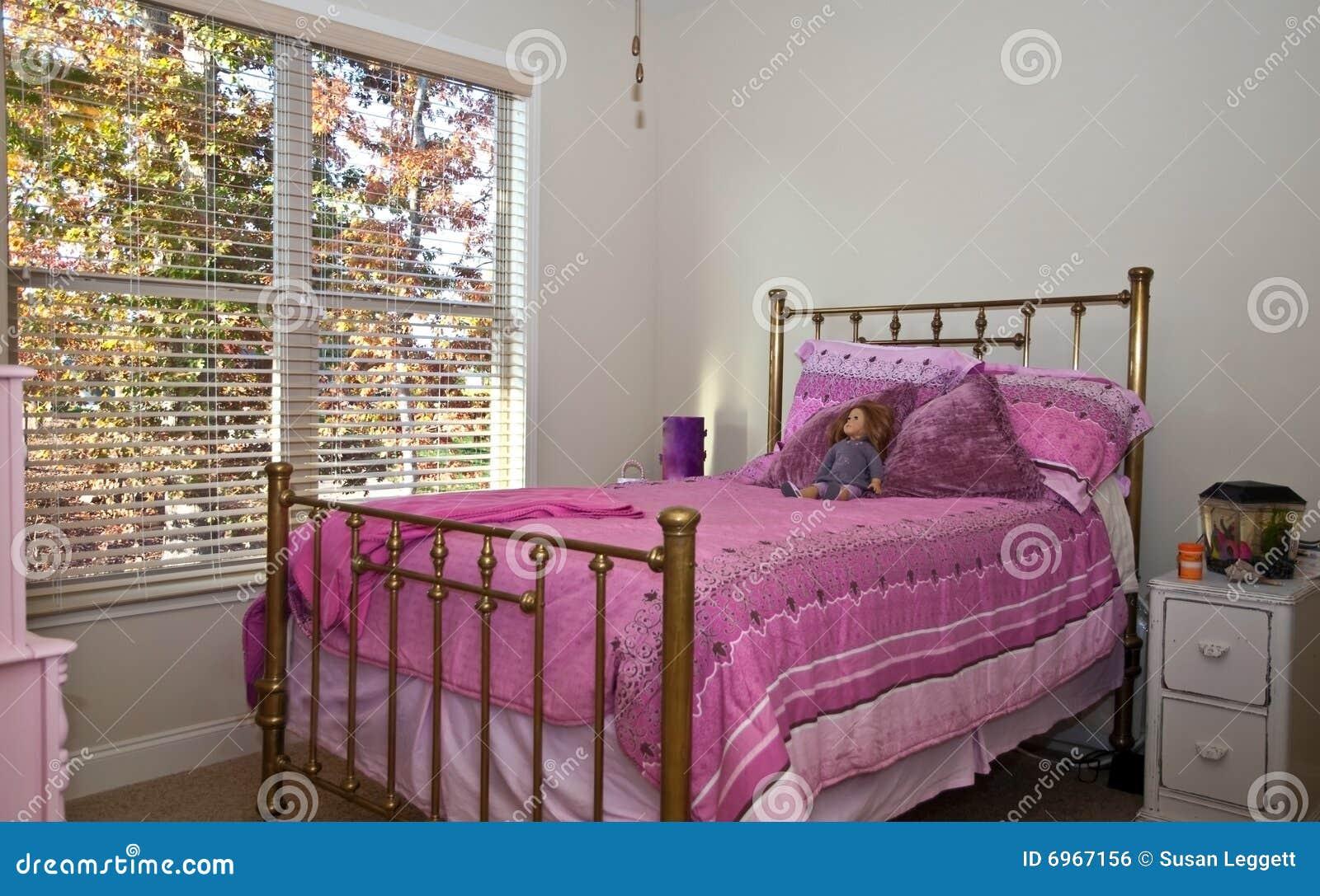 De slaapkamer van meisjes royalty vrije stock afbeelding afbeelding 6967156 - Cabine slaapkamer meisje ...