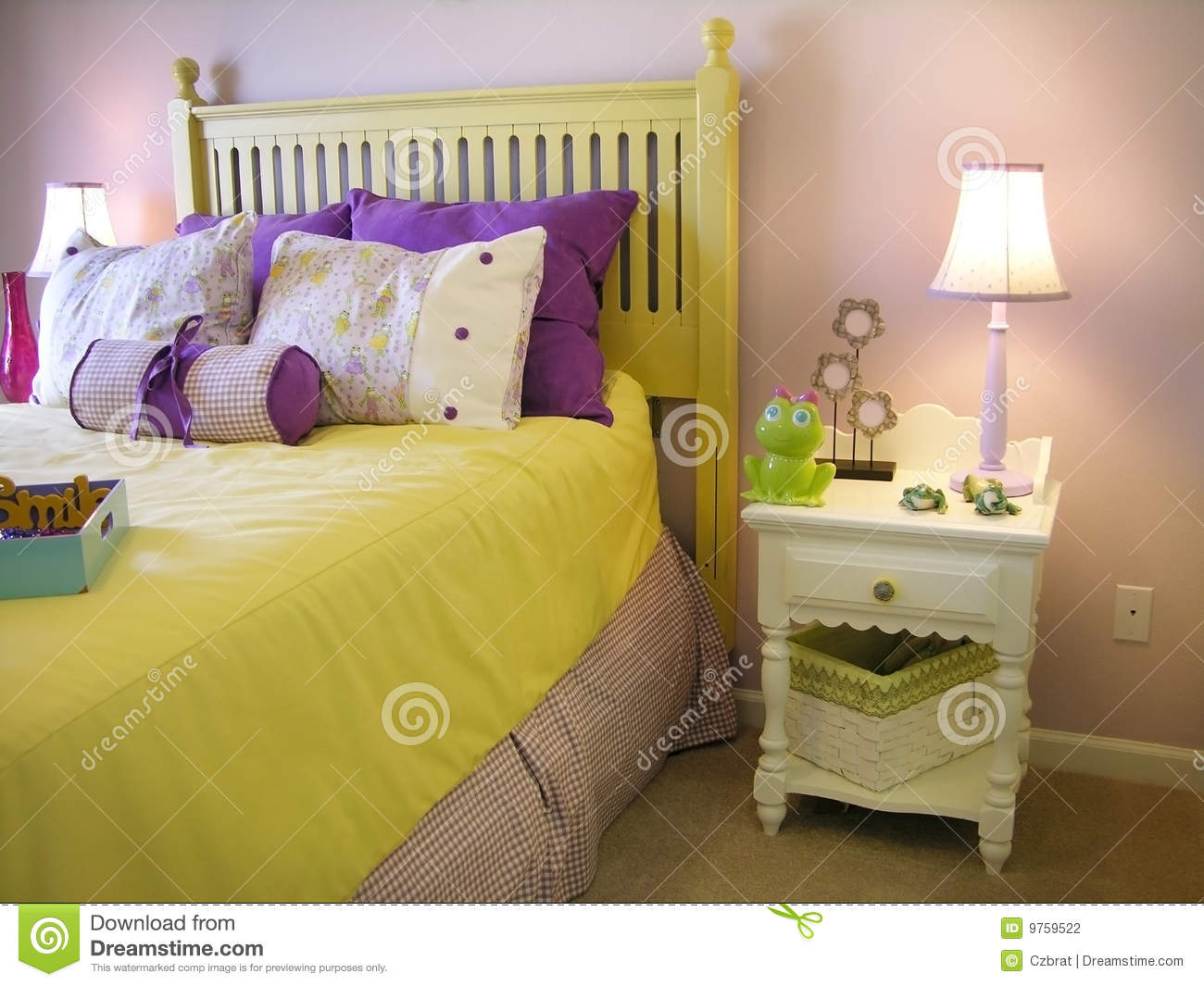 Gele Slaapkamer : Girl Bedroom Photography
