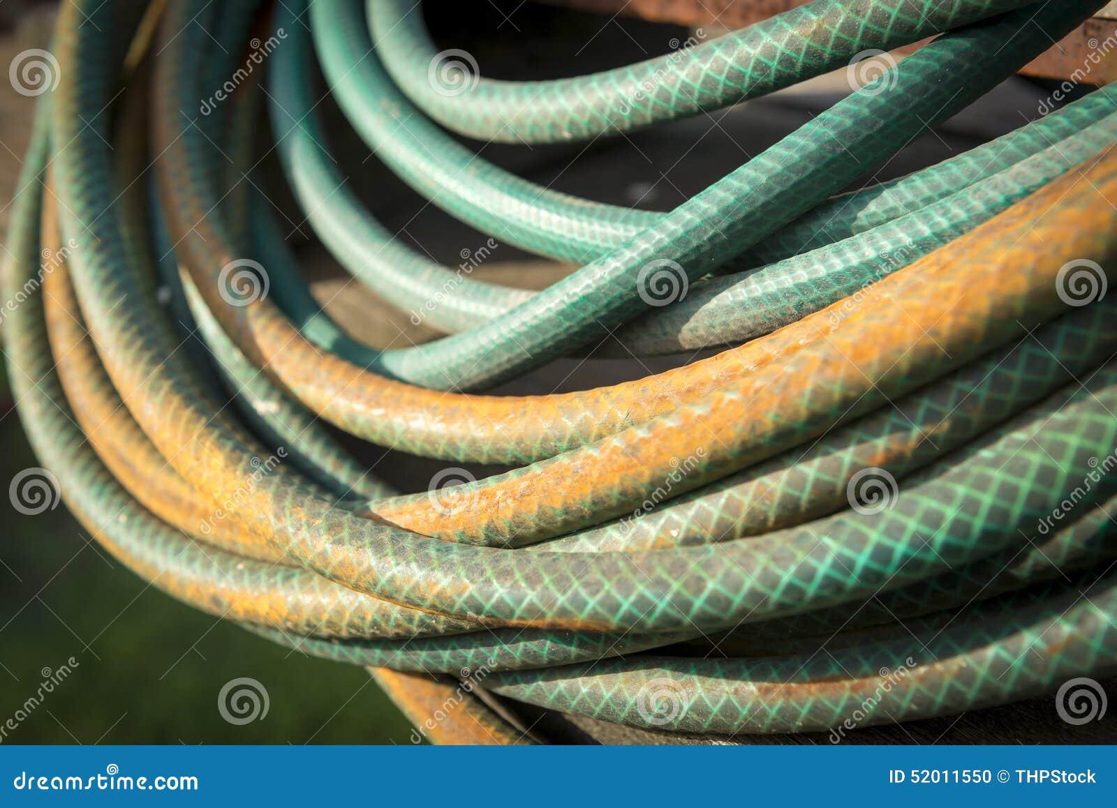 De slang van de tuin