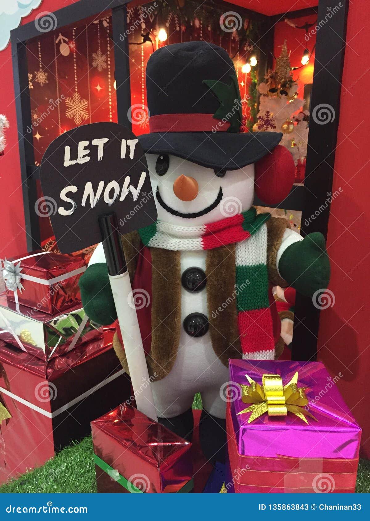 De sneeuwman komt aan stad